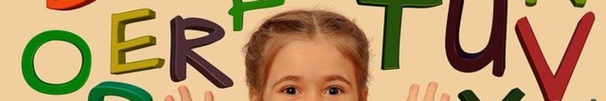 Esej: Czy dziecku należy się przestrzeganie jego niezbywalnych praw? Korczak wobec sztywnych ram tradycyjnego wychowania